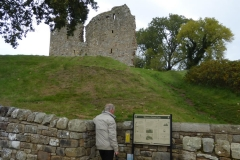 Thirlwall-castle-northumberland-visitor